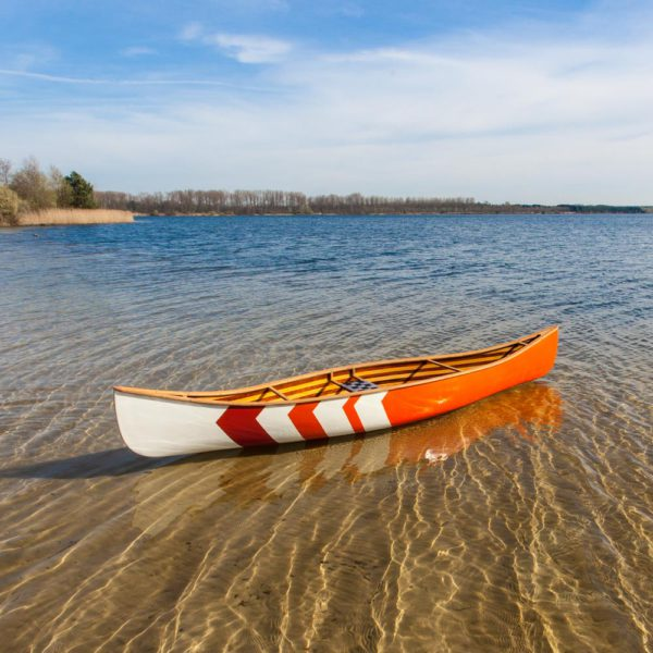 Atikamekw single person canoe