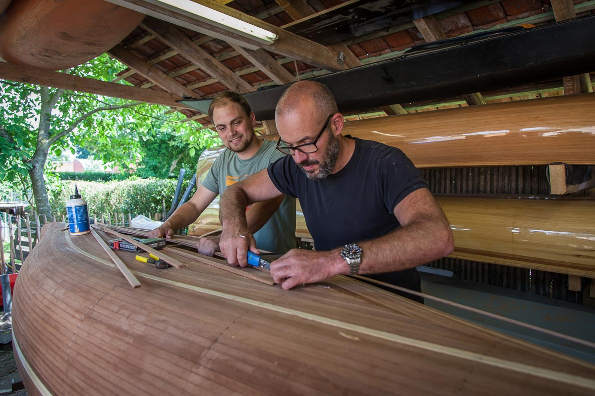 Building a canoe at Freeranger Canoe
