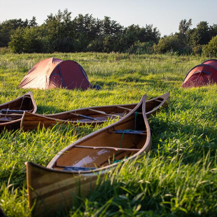 Kanokamperen op de weerribben-wieden