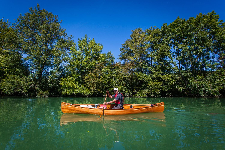 Canoe trekking on the Meuse river