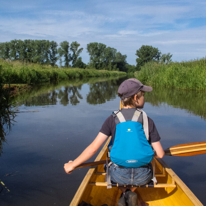 Emiel canoeing on the Nete River