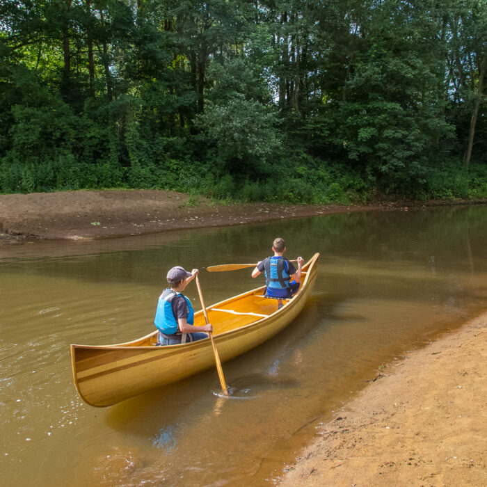 Emiel & thomas canoeing on the Nete River