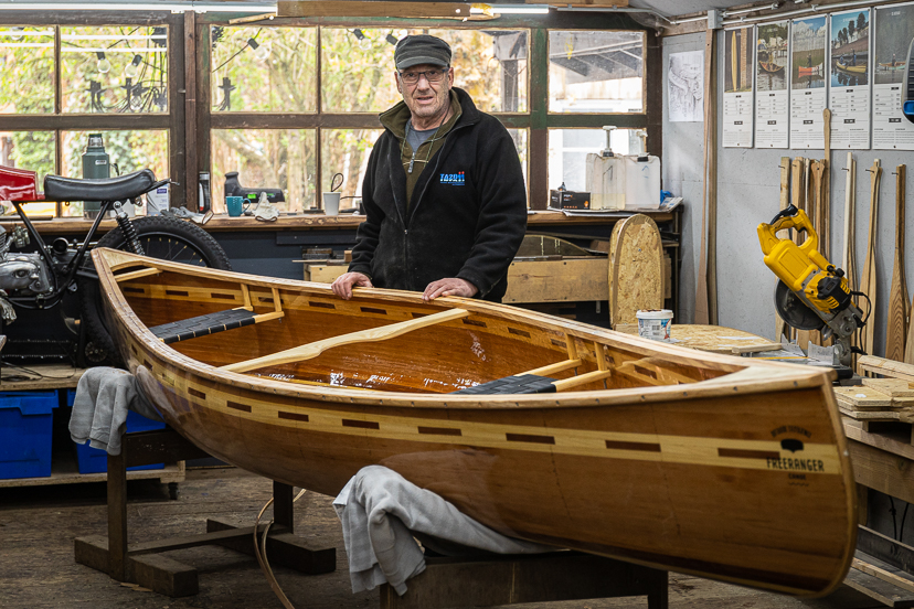rob building a bob's special canoe